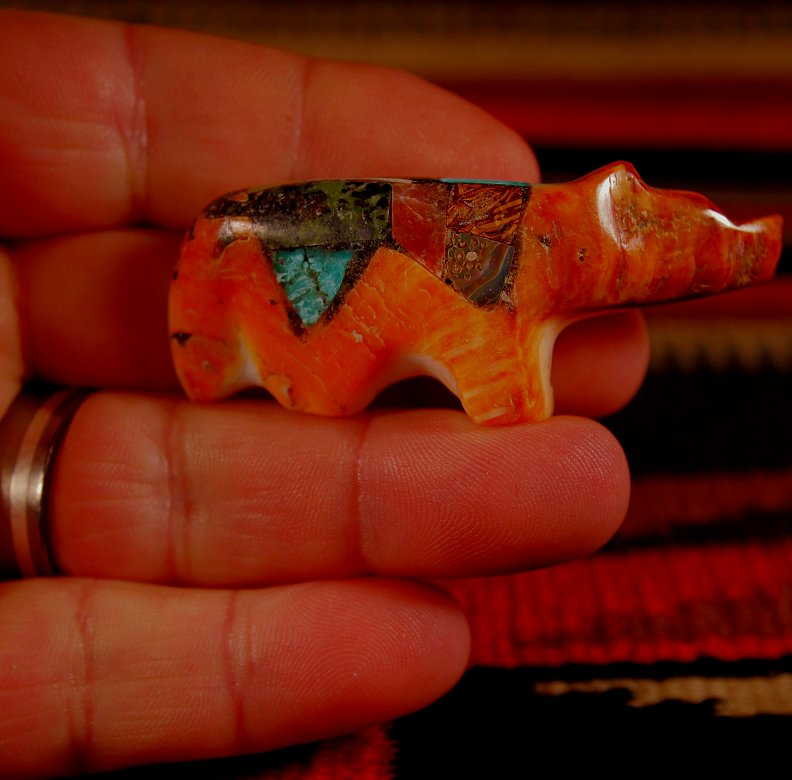 Zuni Spirits is proud to represent a variety of Zuni fetish carvers, including Jayne Quam!